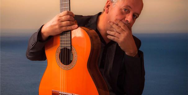 Ricardo Esteve, el primer álbum del guitarrista, compositor y produtor es 'El Ilusionista' (2019)